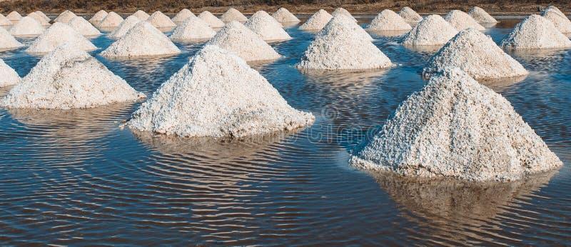 Salz von den Stapel salzig in Thailand lizenzfreies stockfoto