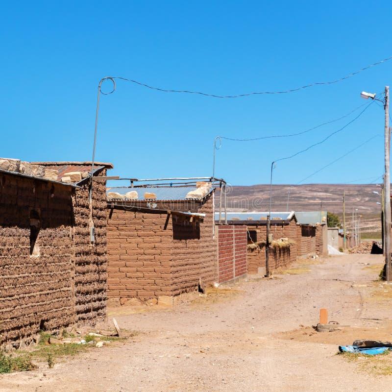Salzbergmanndorf in Bolivien, Südamerika lizenzfreies stockbild