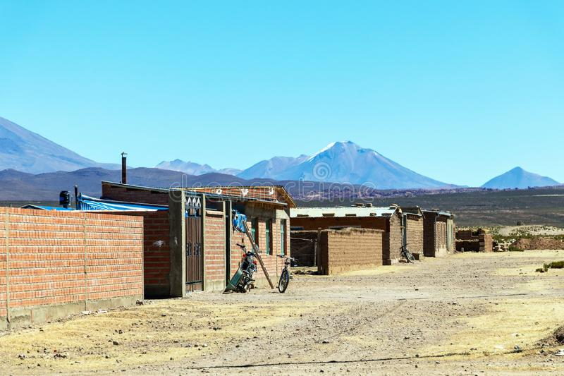 Salzbergmanndorf in Bolivien, Südamerika lizenzfreie stockfotografie