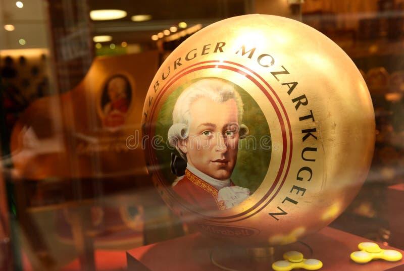 Salzburg, Austria - 2 Czerwiec, 2017: Mozart pamiątek i cukierków st obrazy royalty free