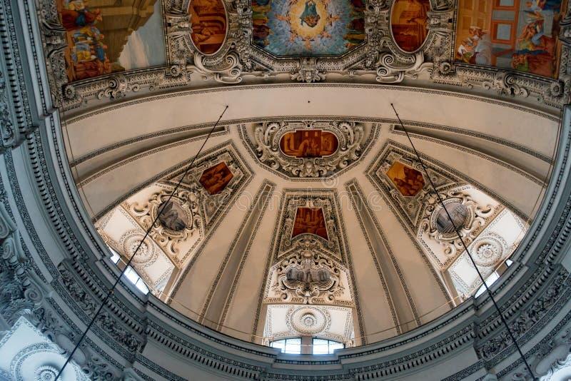 SALZBURG/AUSTRIA - SEPTEMBER 19: Sikt av taket i Salzbur royaltyfria bilder