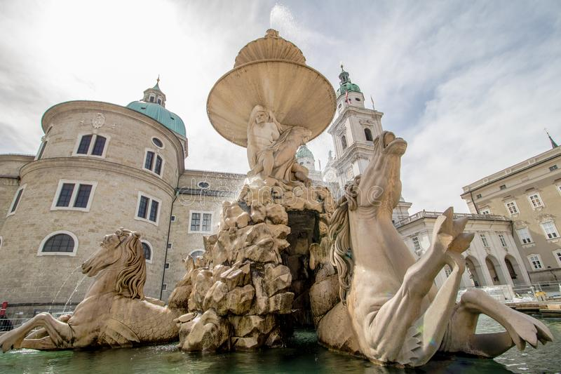 Salzburg-Kathedrale Dom-zu Salzburg im Frühjahr, Österreich lizenzfreies stockbild