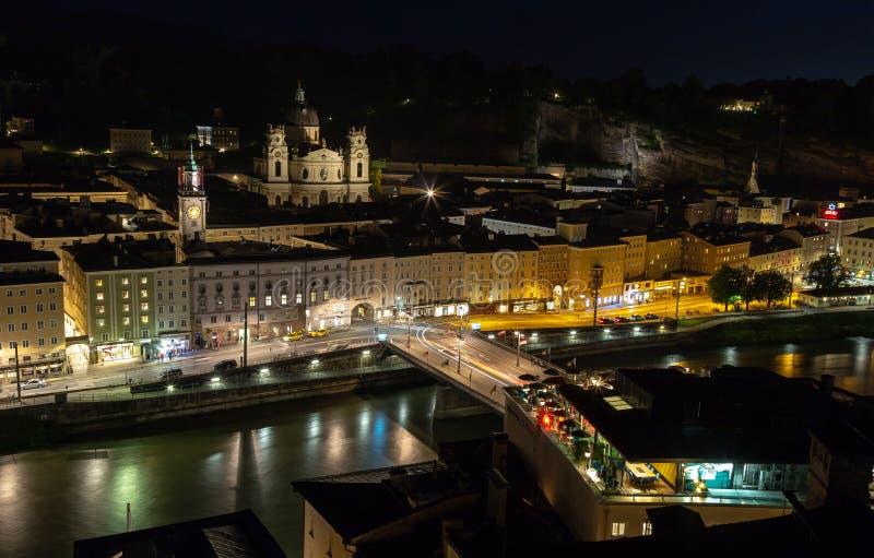 Salzburg na noite foto de stock royalty free