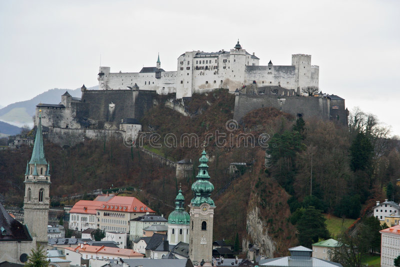 Salzburg-Schloss lizenzfreie stockfotografie