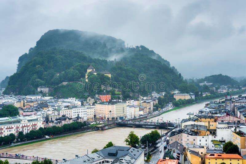 Salzburg visto de Monchsberg, Áustria fotografia de stock