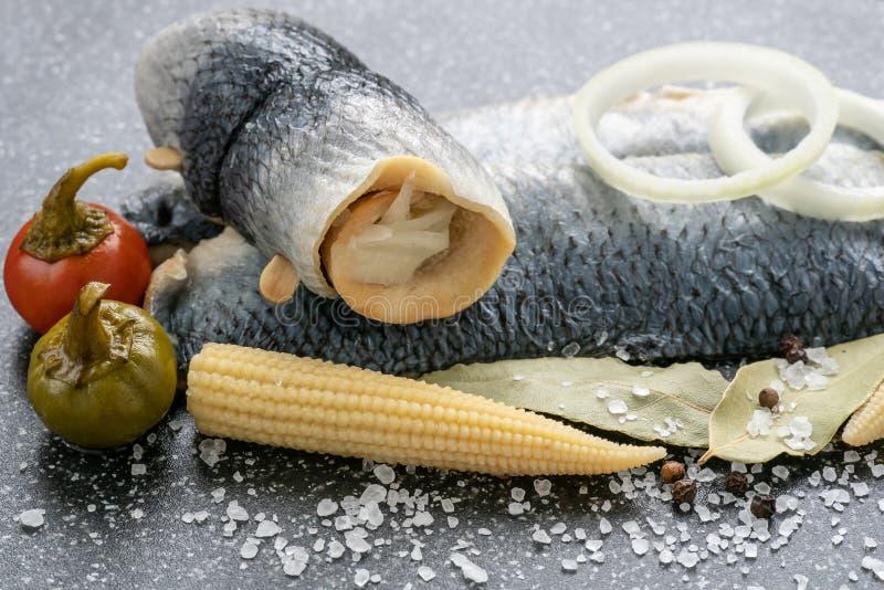Salzwasser marinierte Fische, kalter Aperitif lizenzfreie stockfotografie