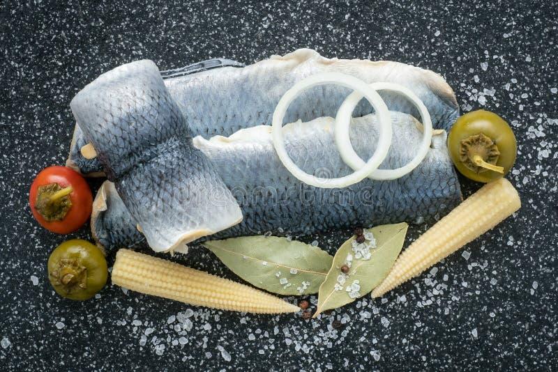 Salzwasser marinierte Fische, kalter Aperitif lizenzfreie stockbilder