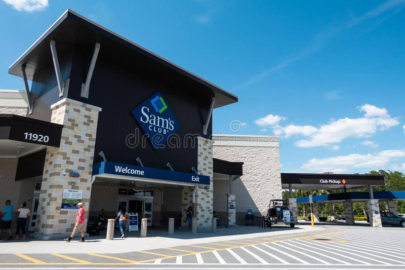 Sam's Club är en amerikansk kedja av klubbor för medlemskap-endastdetaljhandellagret arkivfoton