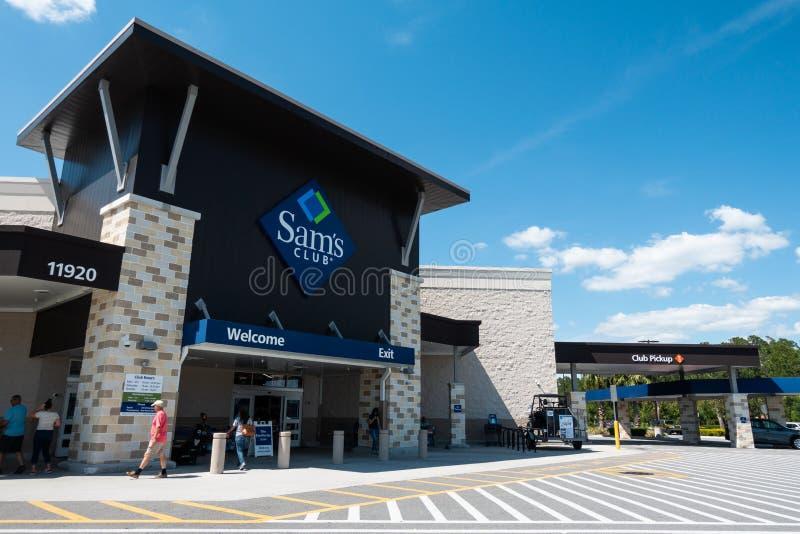 Sam's Club è una catena americana dei club al minuto solo appartenenza del magazzino fotografie stock
