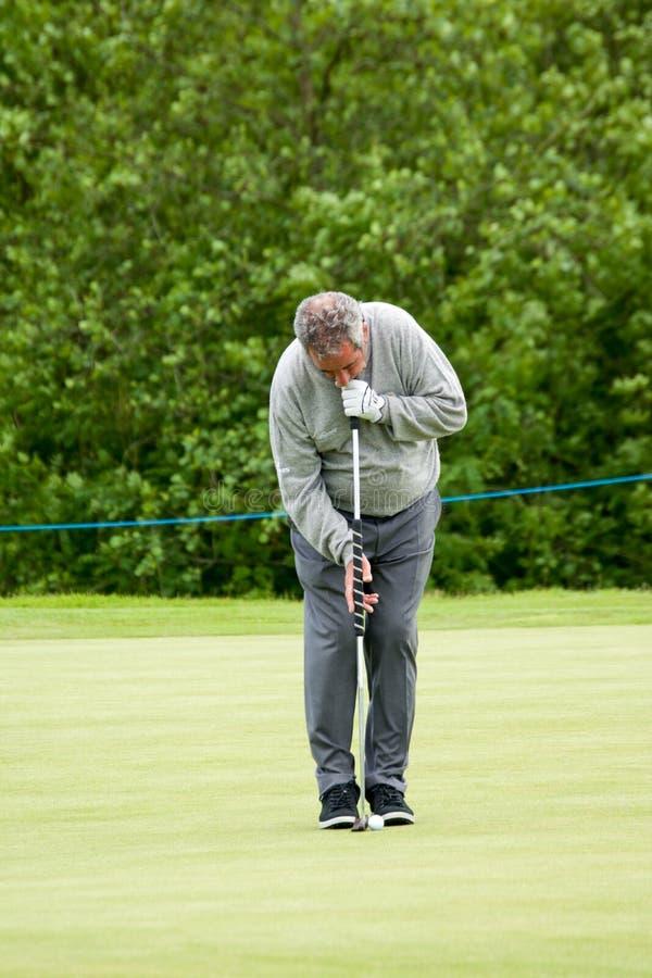 Sam Torrance dans l'action à l'aîné Pays de Galles ouvert 2015 de SSE photo stock