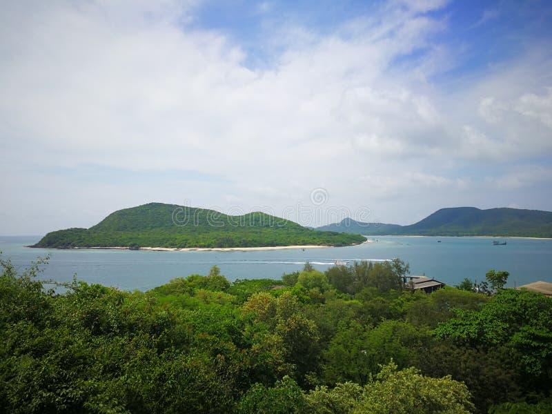 Samae San wyspa, przeglądać z punktu widzenia Luang Pora tamy, Khao Chedi zdjęcia royalty free
