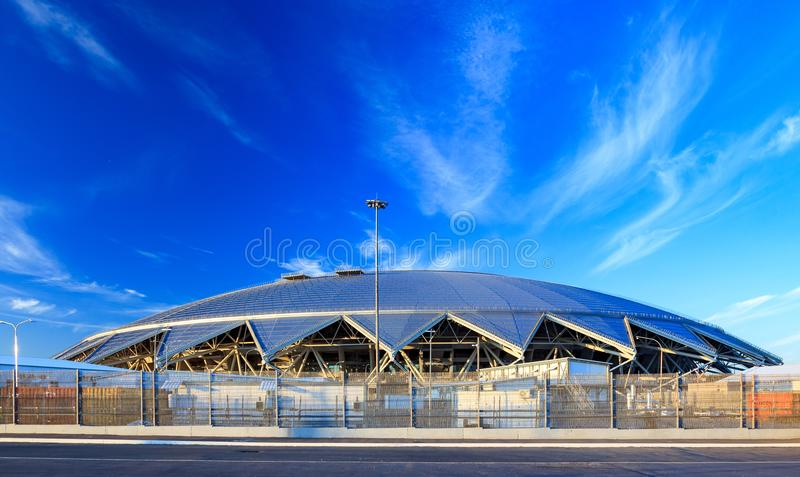 Samara, Rússia, o 10 de agosto de 2018 O estádio novo para o futebol 2018 do campeonato mundial fotografia de stock