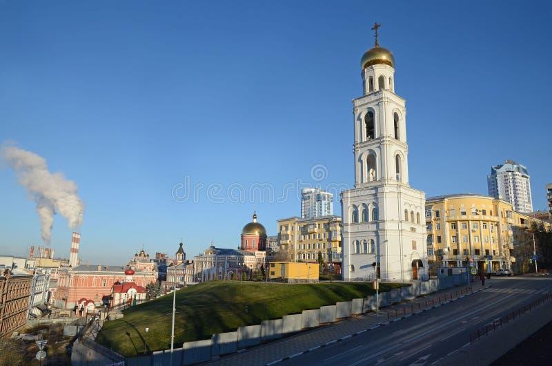 Samara Rosja, Nov, -, 20 2016: Dzwonnica Iver żeński monaster w Samara obrazy stock