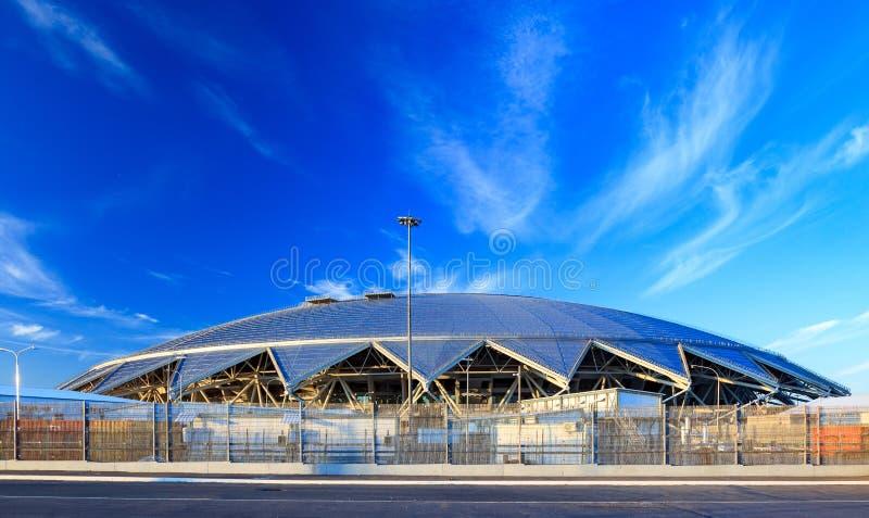 Samara, Rusia, el 10 de agosto de 2018 El nuevo estadio para el fútbol 2018 del campeonato del mundo fotografía de archivo