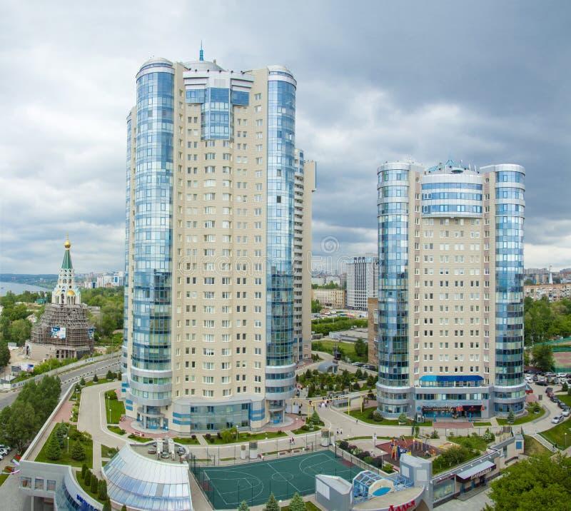 SAMARA, RUSSIE - 21 MAI : Vue de jour du complexe d'appartements Ladya photos libres de droits