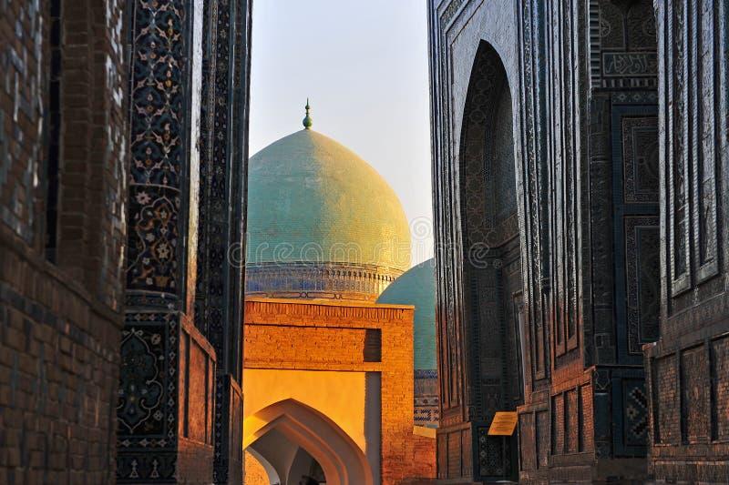 Samarcanda: cupola stupefacente della moschea fotografia stock