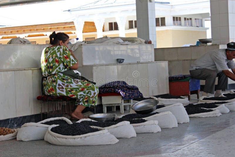 Samarkand bazar, uzbek kobieta zdjęcie stock