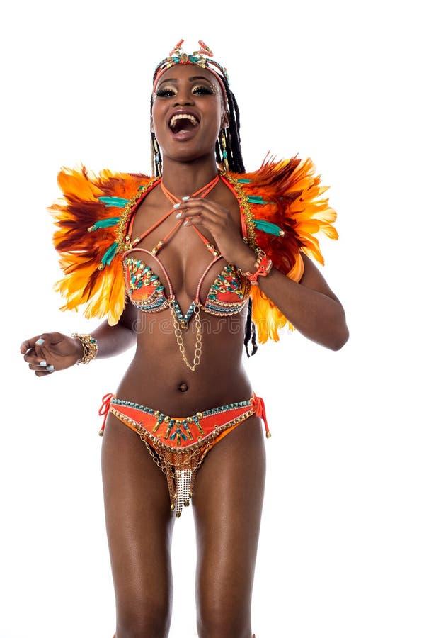 Samba alegre del baile de la mujer imagen de archivo libre de regalías