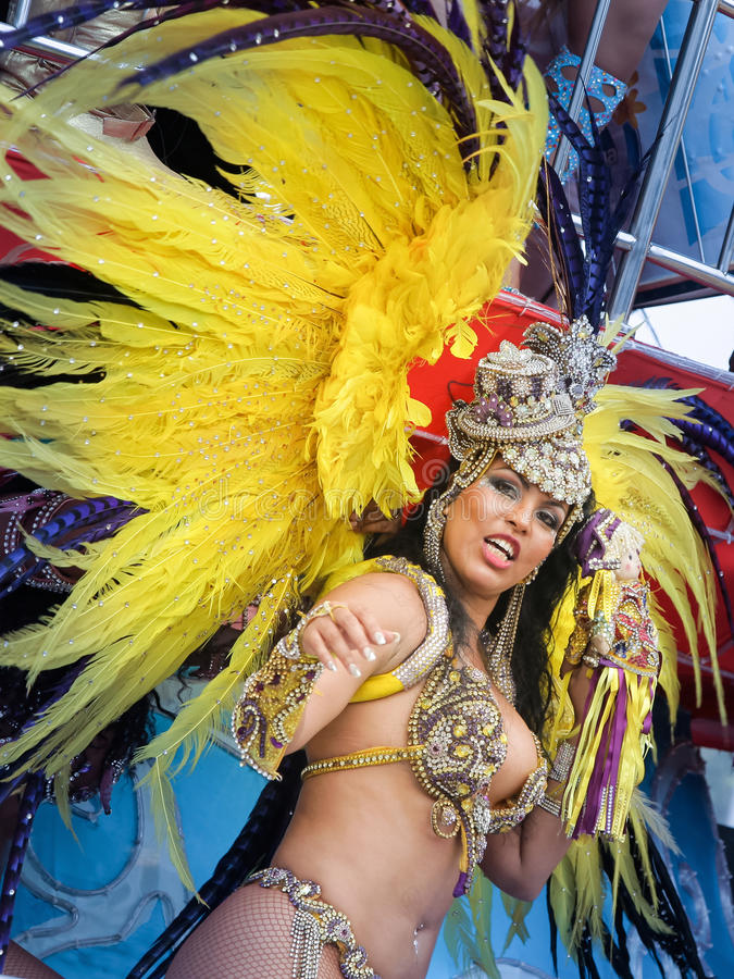 Samba Dancer en el carnaval imagenes de archivo