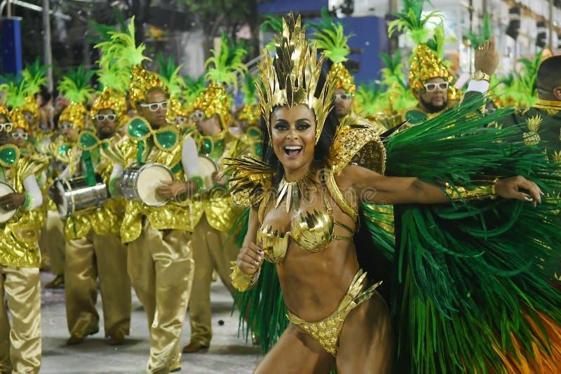 Samba Schools ståtar - karnevalet 2018 arkivfoton