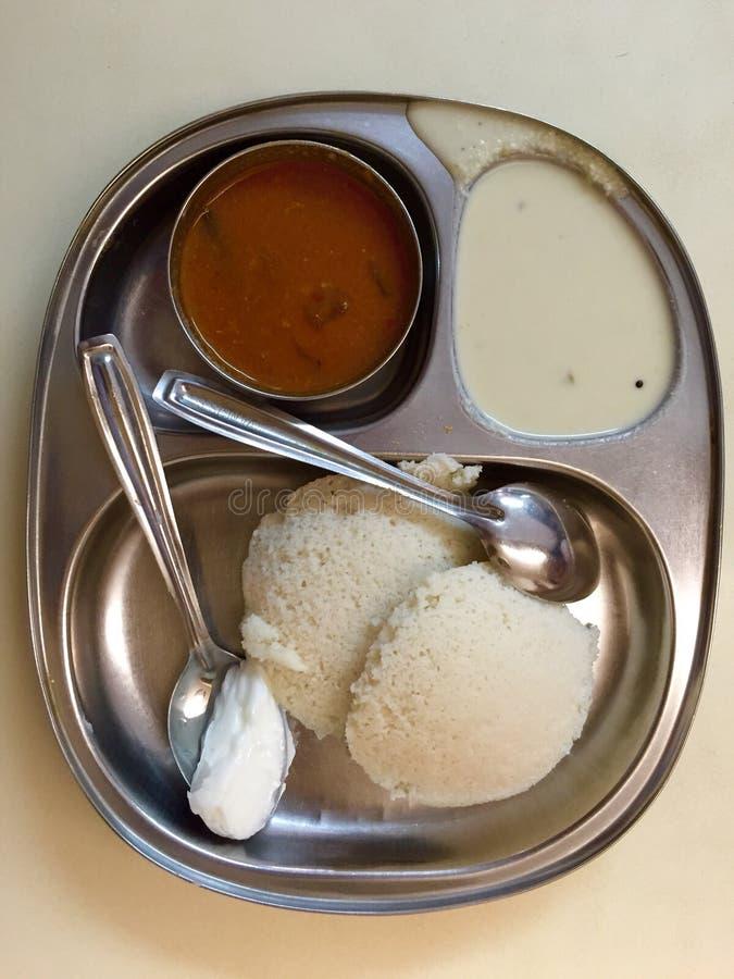 Sambar de Idli - cocina del sur de la India (cocina de Udupi) fotografía de archivo