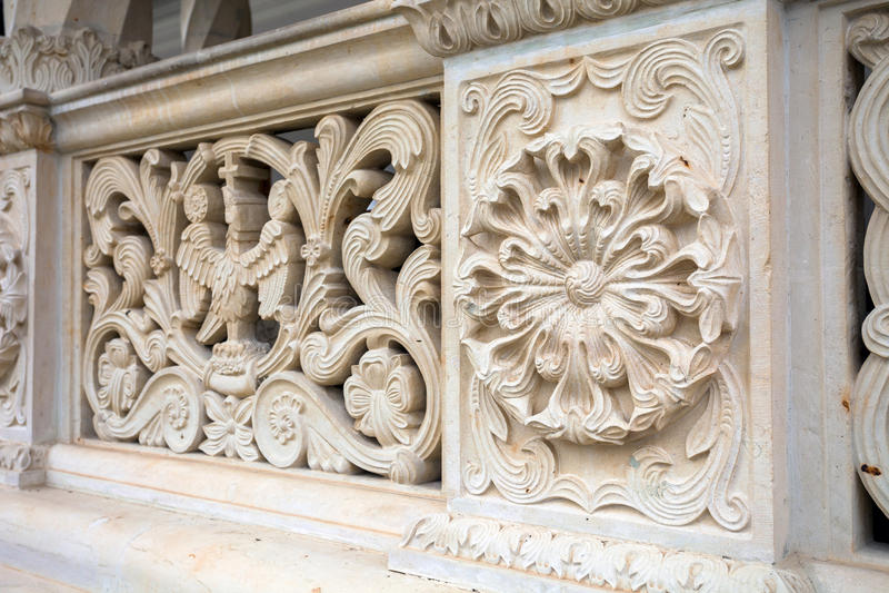 从Sambata de Sus Monastery的建筑栏杆细节 库存图片