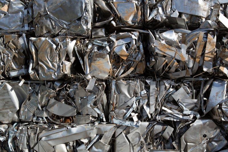 Samengeperst pakkettenschroot van metaal royalty-vrije stock afbeelding