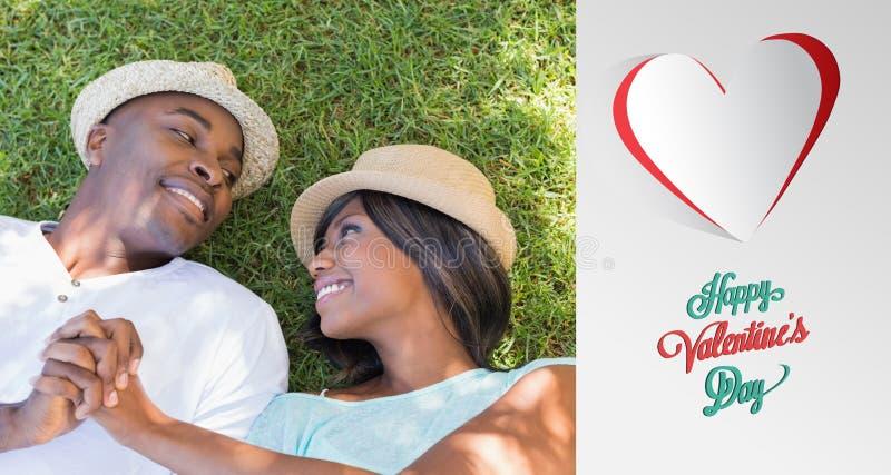 Samengesteld beeld die van gelukkig paar in tuin samen op het gras liggen vector illustratie