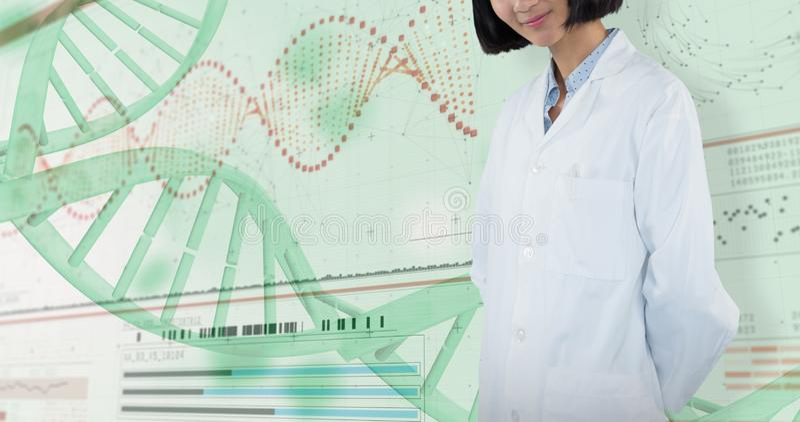 Samengesteld beeld die van glimlachende arts zich tegen witte achtergrond bevinden royalty-vrije stock fotografie