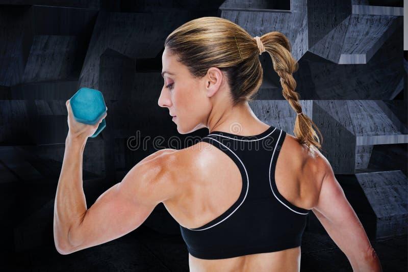 Samengesteld beeld die van vrouwelijke bodybuilder een domoor houden stock illustratie