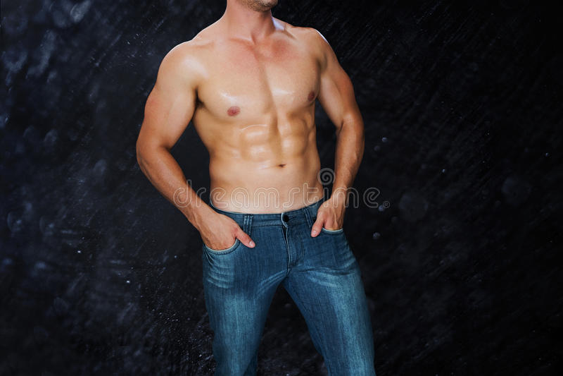 Samengesteld beeld van aantrekkelijke bodybuilder royalty-vrije illustratie