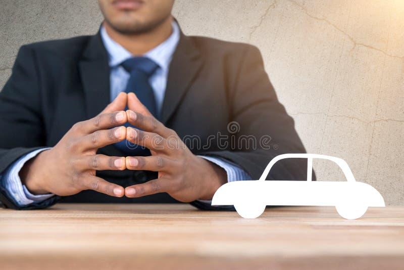 Samengesteld beeld van bedrijfsmensenzitting achter een bureau royalty-vrije stock afbeeldingen
