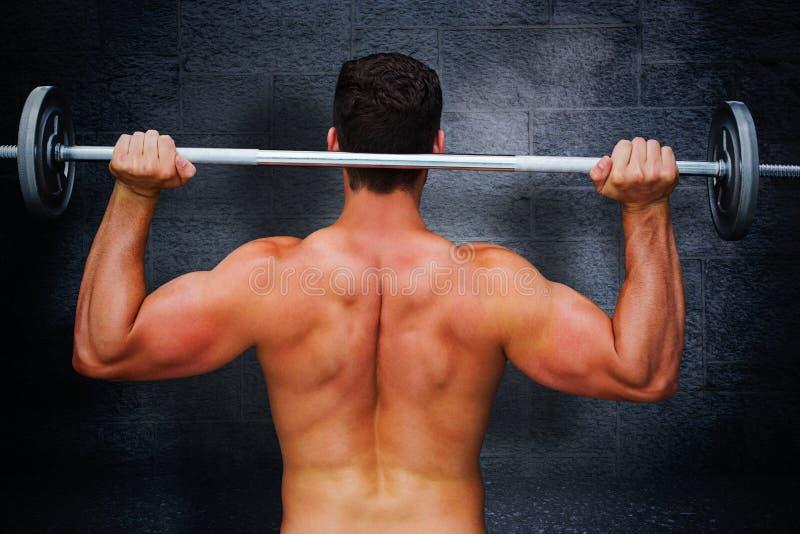 Samengesteld beeld van bodybuilder die barbell opheffen stock illustratie