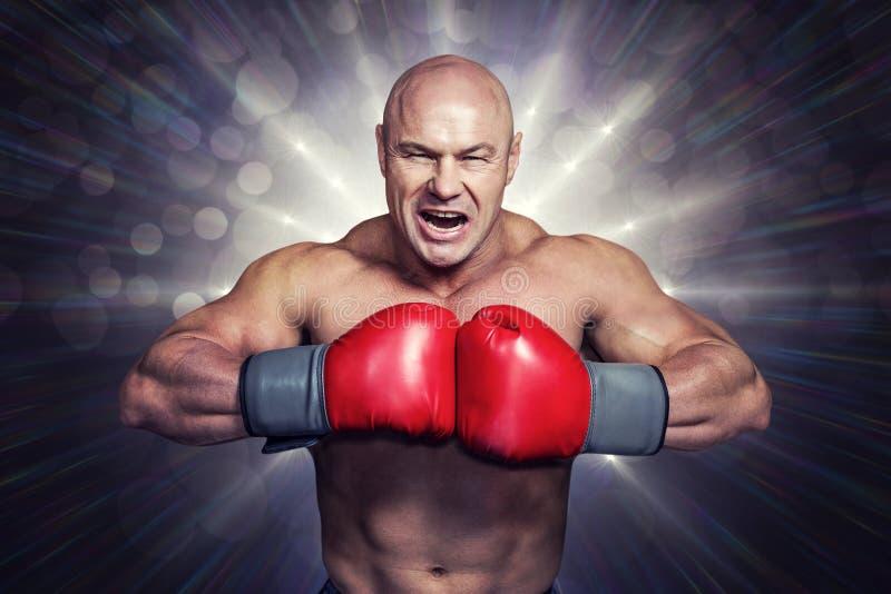 Samengesteld beeld van boze kale bokser met ponsenhandschoenen stock afbeelding