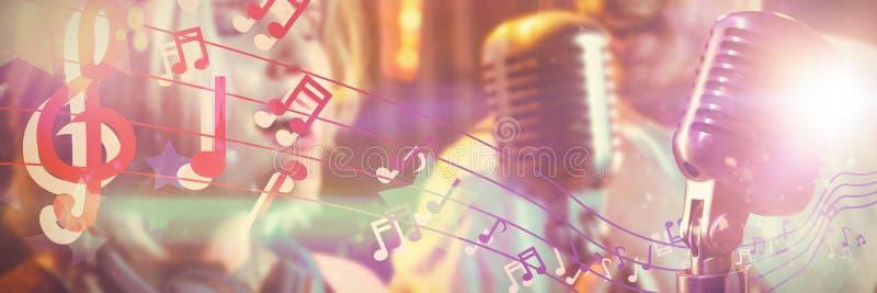 Samengesteld beeld van close-up van microfoon royalty-vrije stock afbeeldingen