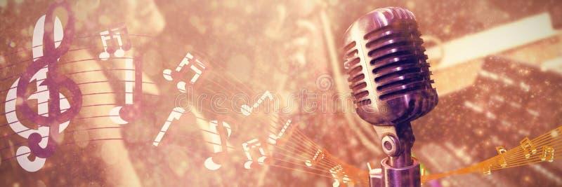 Samengesteld beeld van close-up van microfoon royalty-vrije illustratie