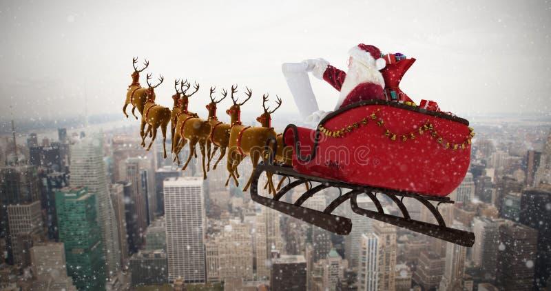 Samengesteld beeld van de Kerstman die op slee tijdens Kerstmis berijden royalty-vrije illustratie