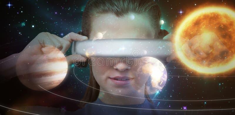 Samengesteld beeld van dichte omhooggaand van brunette die virtuele 3d werkelijkheidssimulator dragen stock illustratie