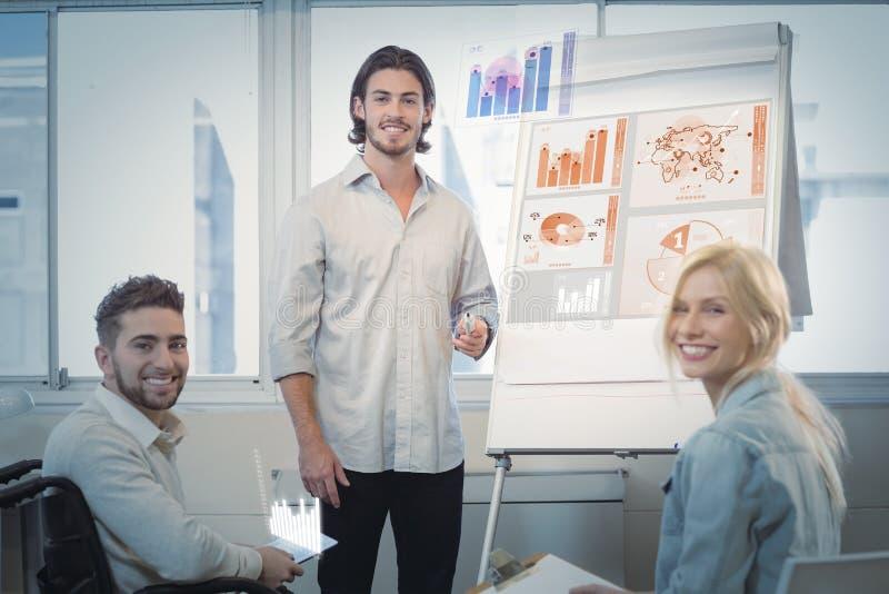 Samengesteld beeld van globale bedrijfsinterface stock foto's