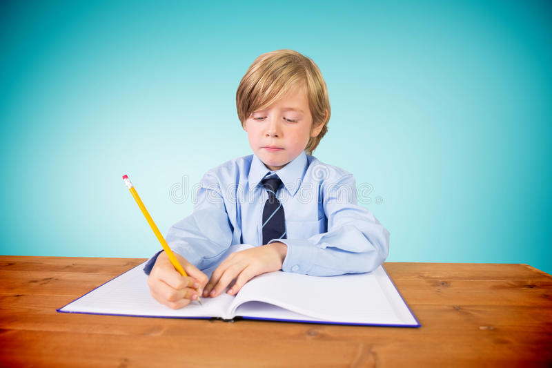 Samengesteld beeld van het leuke leerling schrijven royalty-vrije stock afbeelding