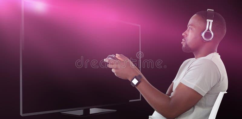 Samengesteld beeld van mens het spelen videospelletje tegen witte achtergrond stock afbeeldingen