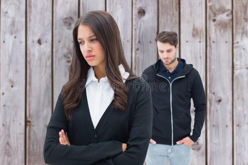 Samengesteld beeld van ongelukkig paar die aan elkaar spreken niet stock afbeelding