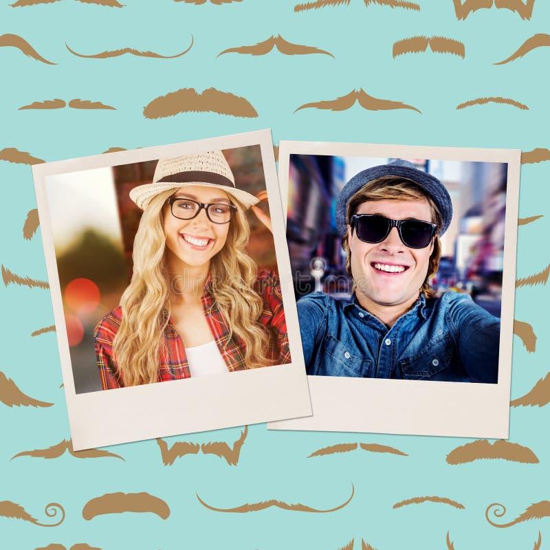Samengesteld beeld van schitterend glimlachend blonde die hipster stellen stock fotografie