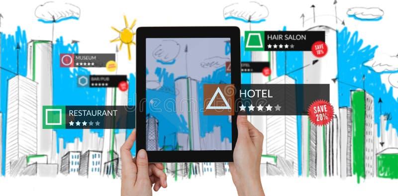 Samengesteld beeld van tablet met toepassingen stock foto