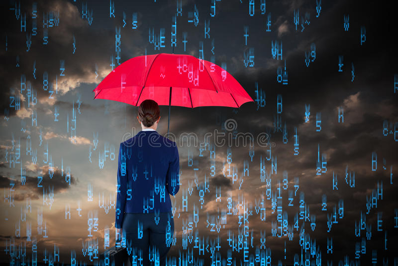 Samengesteld beeld van volledige lengte achtermening van onderneemster die rode paraplu en aktentas dragen royalty-vrije stock afbeelding