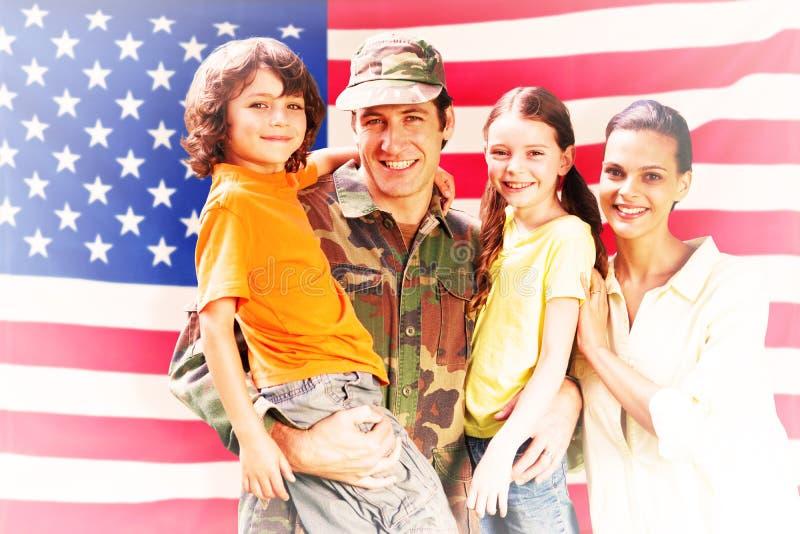 Samengesteld die beeld van solider met familie wordt herenigd royalty-vrije stock fotografie