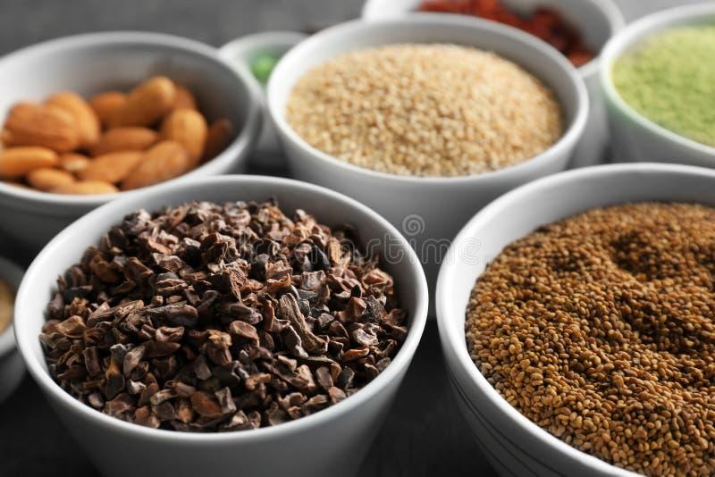 Download Samenstelling Met Assortiment Van Superfoodproducten Stock Foto - Afbeelding bestaande uit up, close: 107702106