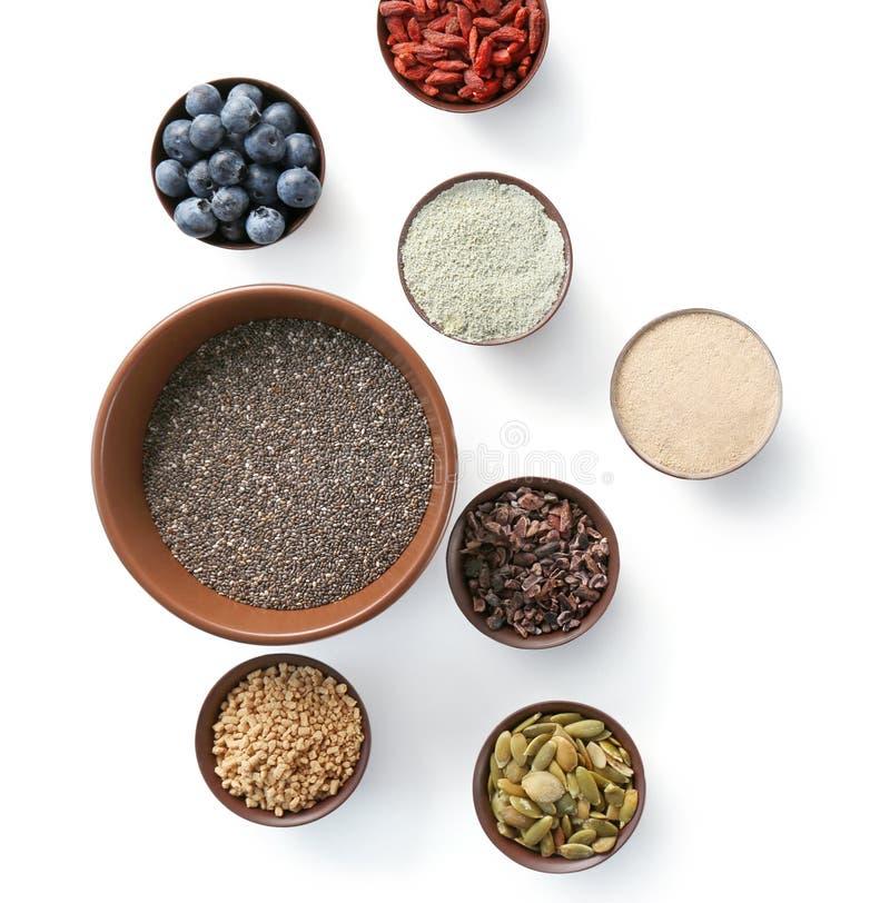 Download Samenstelling Met Assortiment Van Superfoodproducten Stock Foto - Afbeelding bestaande uit lijst, proteïne: 107702588