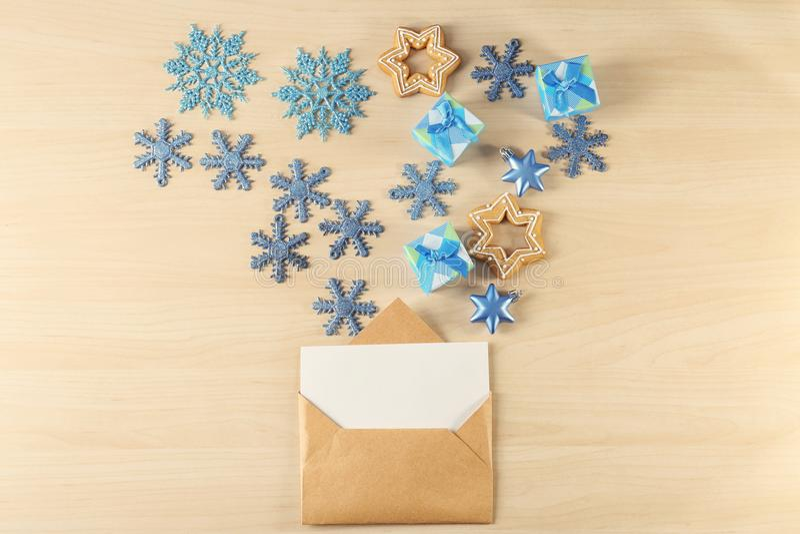 Download Samenstelling Met Brief Aan Santa Claus Stock Foto - Afbeelding bestaande uit leeg, achtergrond: 107703102