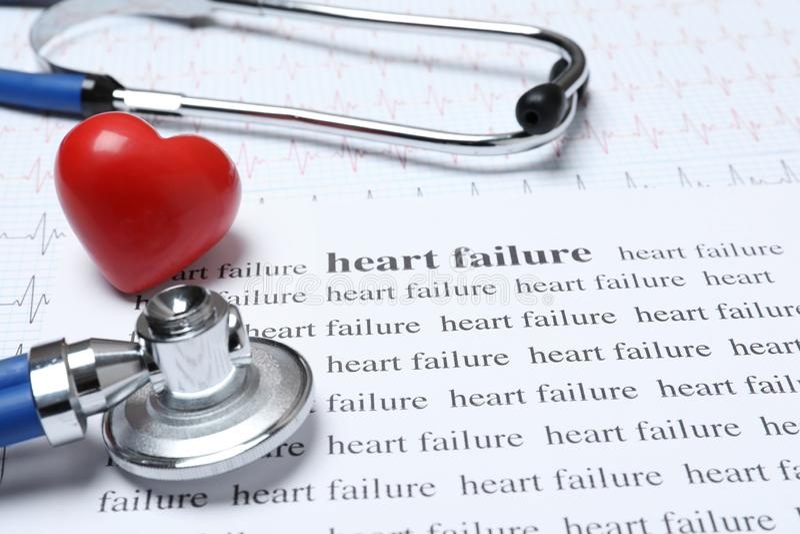 Samenstelling met stethoscoop, cardiogram royalty-vrije stock foto's